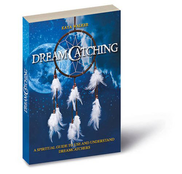 Bild på Dreamcatching - a spiritual guide to use and understand dreamcatchers - inc