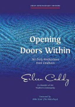 Bild på Opening doors within - 365 daily meditations from findhorn